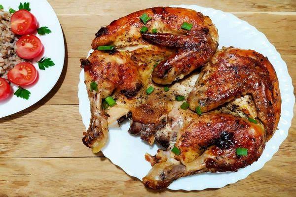 цыпленок табака с зеленью
