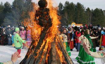 Сожжение чучела зимы в последний день Масленицы